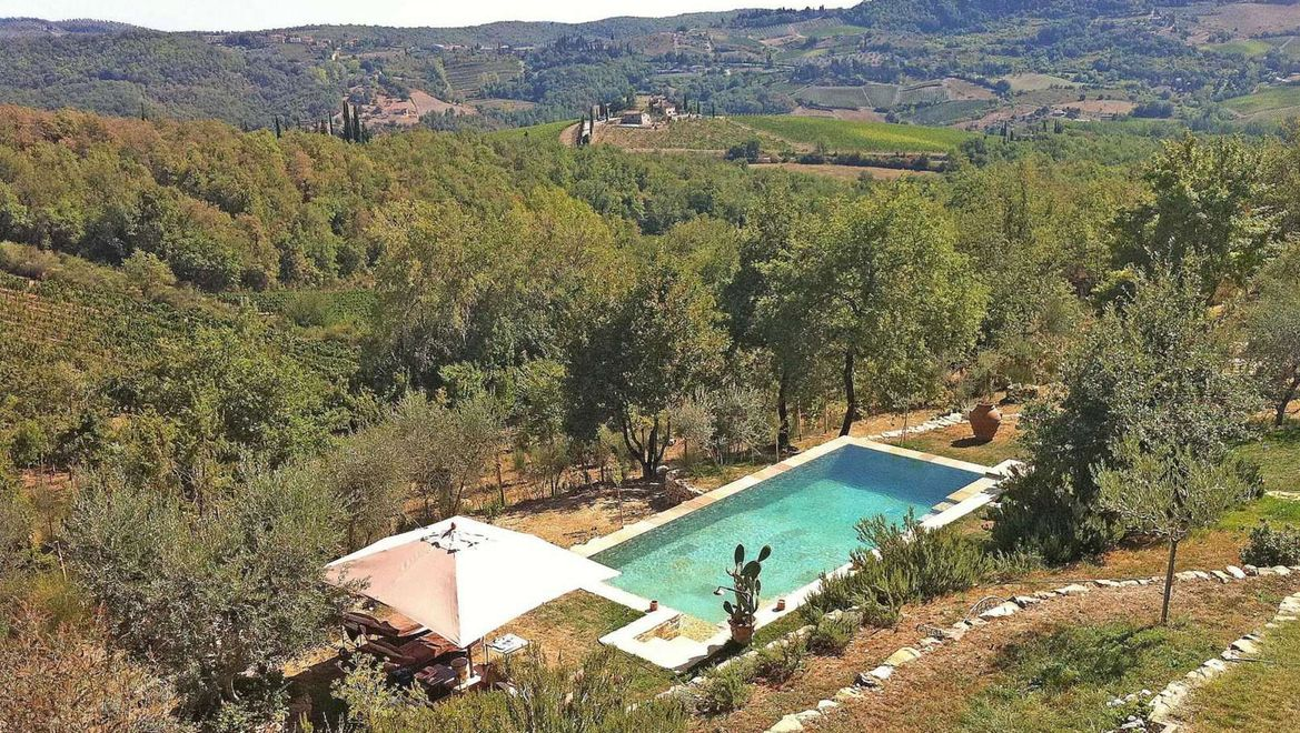 Rolling Hills Italy - Farmhouse with swimming pool in the heart of Chianti