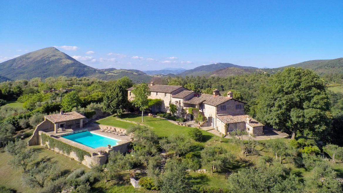 Rolling Hills Italy - Lovingly Umbrian country house with pool close to Perugia.
